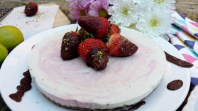 Delicious vegan cheesecake ready to share... or not! :P