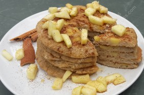 Apple & cinnamon pancakes yumyum!