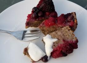 berries-and-cream-cake-wm