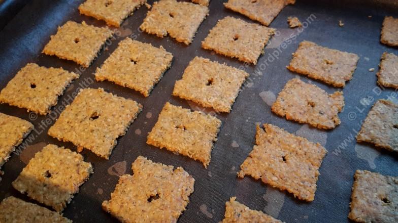 Golden brown crackers yumyum